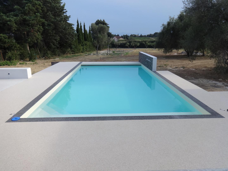 Construction Et Rénovation De Piscines VilleneuvedelaRaho - Carrelage terrasse et tapis protection piscine