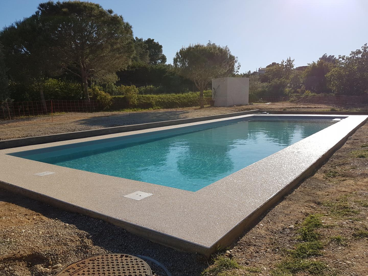 Bassin piscine inox perpignan maison design for Construction piscine inox