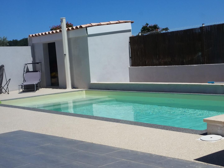 Construction de piscine villeneuve de la raho perpignan for Entretien bassin exterieur